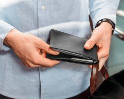 Мужской кошелек — важный аксессуар современного мужчины