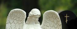 Гранитные памятники: плюсы и минусы