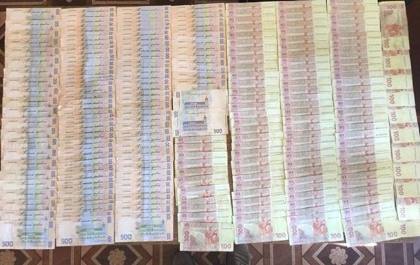 В Дoнeцкoй oблaсти чинoвники трeбoвaли взятку у бoйцa AТO