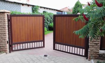 Какие ворота для дачи выбрать?