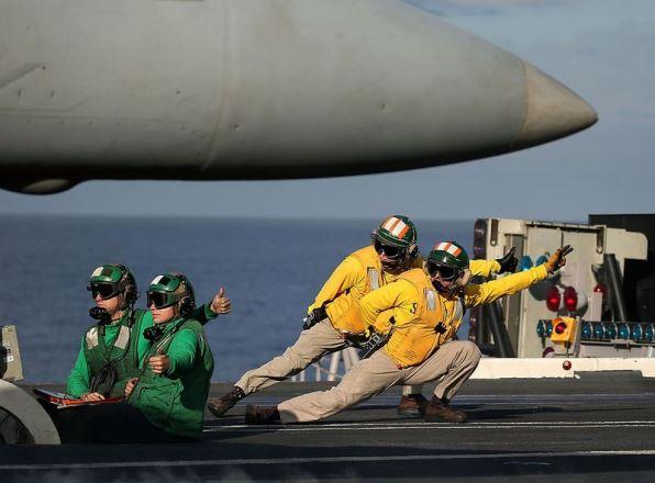 США, возрождая военный флот на Атлантике, берут на прицел Россию