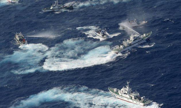 Китайские рыбаки ведут гибридную войну в азиатских морях