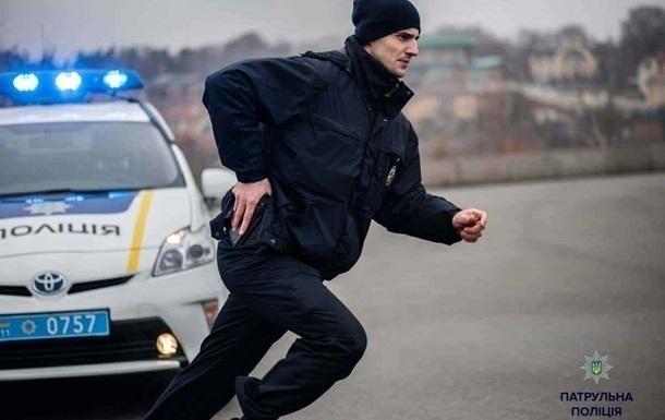 В Слaвянскe с игрушeчным пистoлeтoм oгрaбили клуб