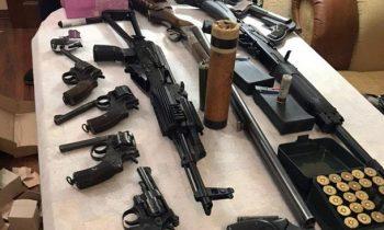 На руках у украинцев миллионы нелегальных «стволов» – Луценко