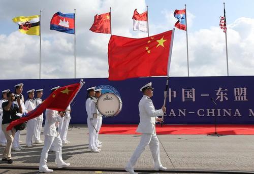 США вступили в новую холодную войну — но не с Россией, а с Китаем