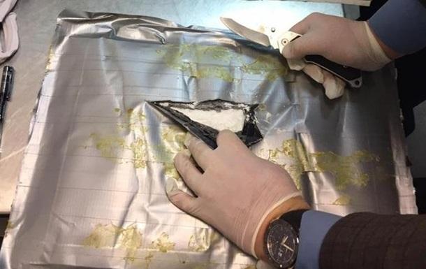 В аэропорту Борисполь перехватили транзитную партию кокаина