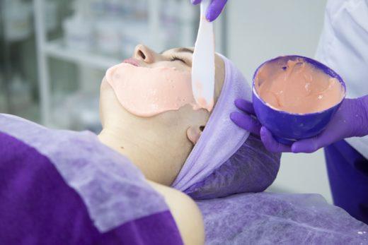 Альгинатные маски: быстро приводим кожу в порядок перед праздниками