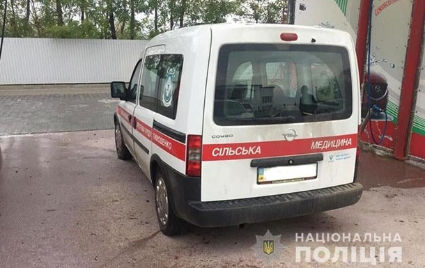 В Тернопольской области мужчина застрял в окне дома и умер