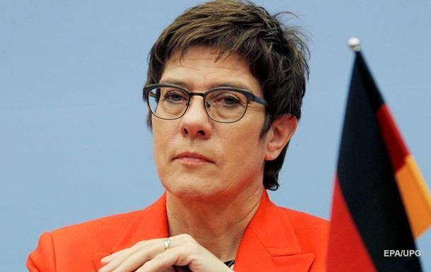 Меркель ответила на решении Крамп-Карренбауэр не выдвигаться в канцлеры