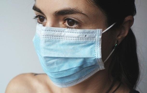 В Минздраве уточнили, как правильно носить маски и перчатки