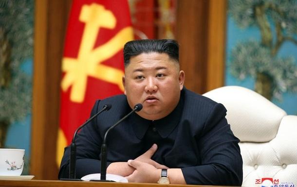 Китай направил в КНДР врачей на фоне слухов о болезни Ким Чен Ына − СМИ