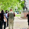 В Праге разрисовали памятник Черчиллю