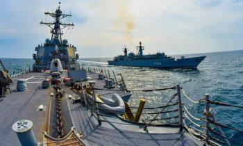 «Наезды» русских на корабли США в Черном море напоминают конфликты времен холодной войны