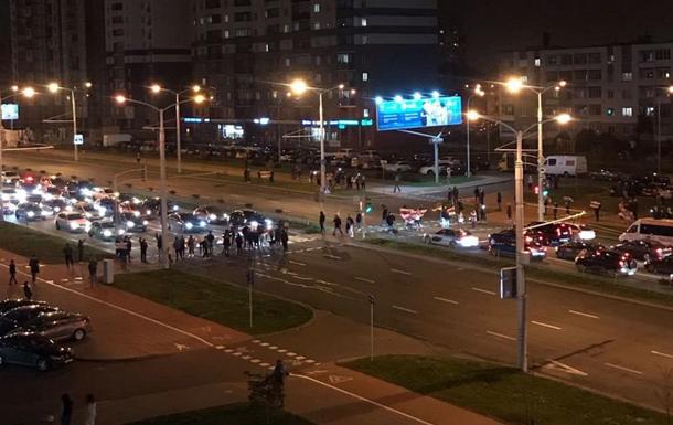 Жители Минска после разгона пенсионеров вышли на улицы