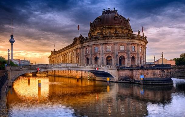 Вандалы повредили около 70 экспонатов на Музейном острове в Берлине