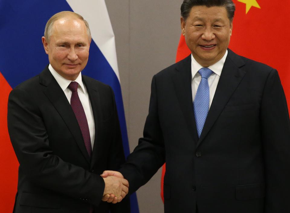 У Трампа появился неожиданный союзник в нефтяной войне против России и Саудовской Аравии: Китай