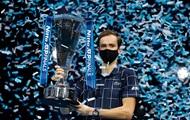 Медведев обыграл Тима и выиграл Итоговый турнир ATP
