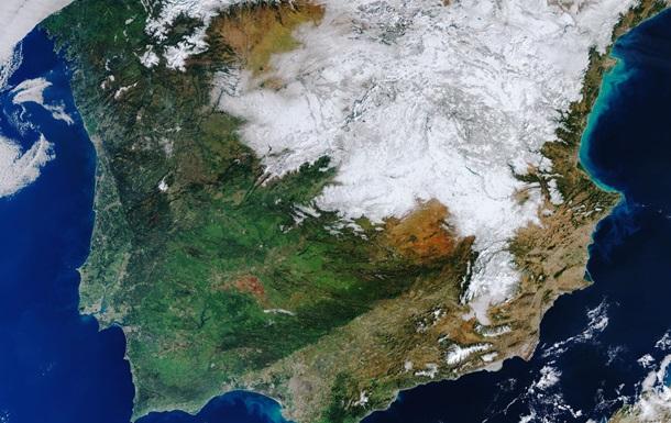 Опубликованы спутниковые фото заснеженной Испании