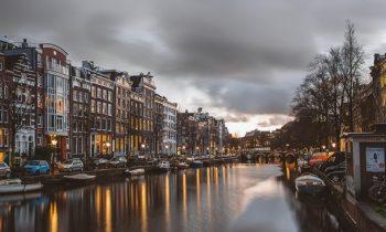 В Нидерландах вводят комендантский час впервые со Второй мировой войны