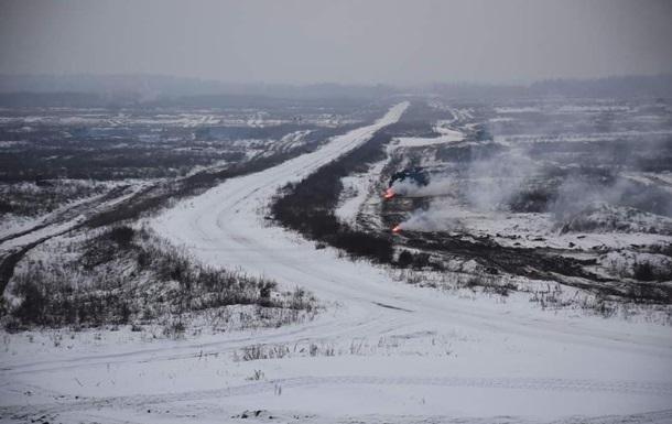 Боец ВСУ погиб на полигоне из-за наезда транспортера-тягача