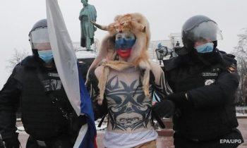 В Москве под арест отправлены более тысячи участников акций протеста