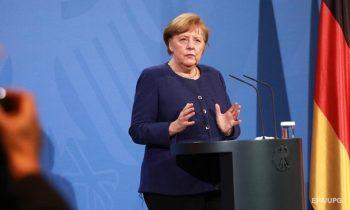Меркель назвала сроки введения сертификатов COVID-вакцинации