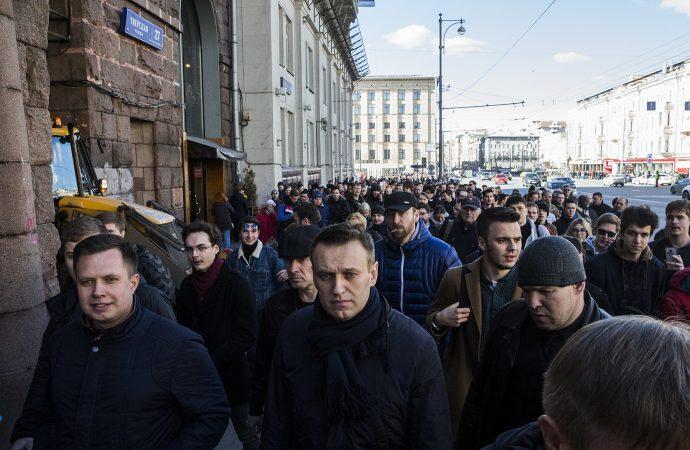 Почему Алексею Навальному не удалось разжечь революцию в России