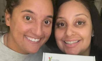 В США подруги оказались разлученными в детстве сестрами