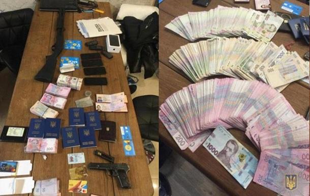 На Полтавщине разоблачили ОПГ наркоторговцев