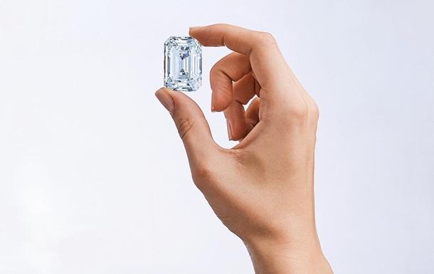 Россия продаст на аукционе крупнейший бриллиант