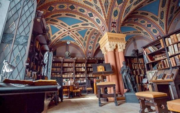Двое петербуржцев подрались за место в библиотеке
