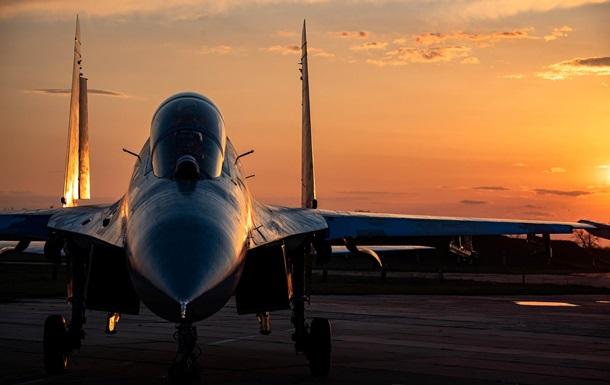 Опубликованы яркие фото полетов истребителей ВСУ