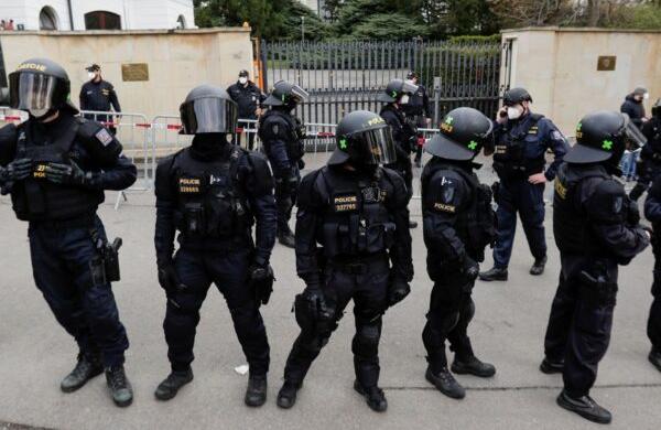 Реакция Москвы на провокационное поведение Праги вернула последнюю к реальности
