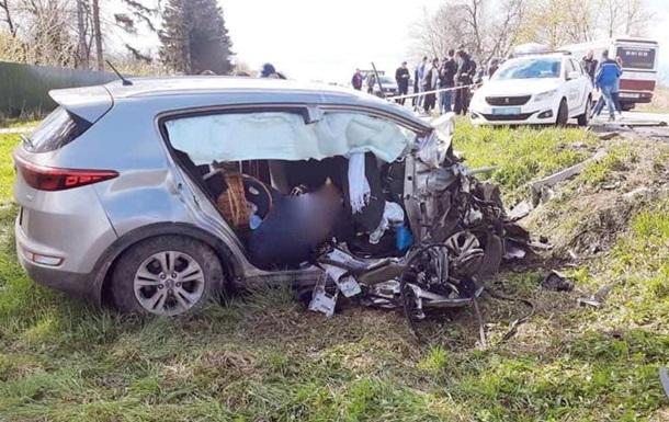 На Прикарпатье в ДТП с автобусом погибли два человека