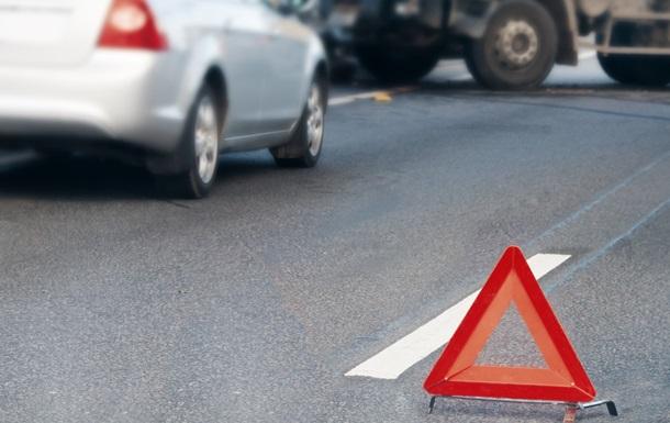 Во Львовской области авто въехало в дом, пострадали четыре человека