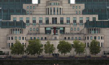 Интервью с главой МИ6 подтверждает, что Британия по-прежнему не имеет понятия о современной России