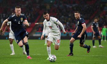 Англия в насыщенном матче расписала мировую с Шотландией