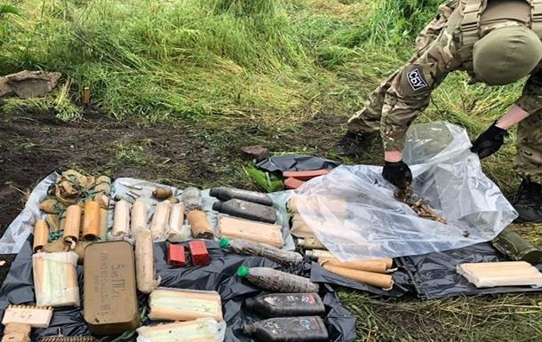На Донбассе СБУ обнаружила тайник снайпера ДНР