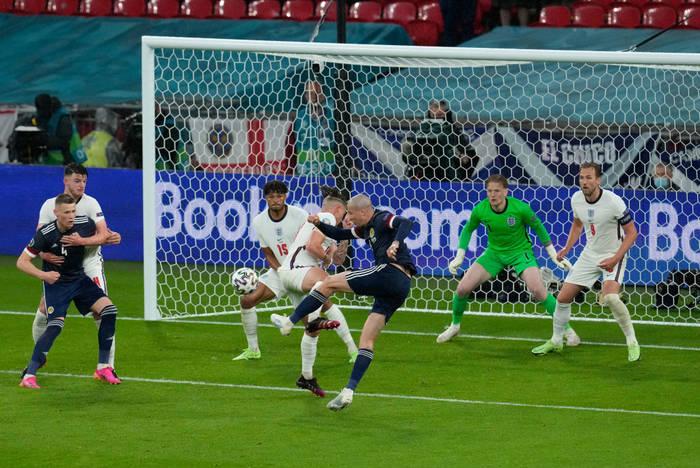 Кадры с матча Англия - Шотландия