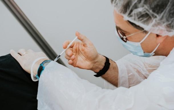 Более 8,5 тысячи немцев получили вместо вакцины физраствор