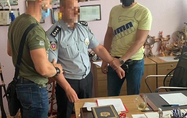 Декана Харьковского вуза поймали на взятке