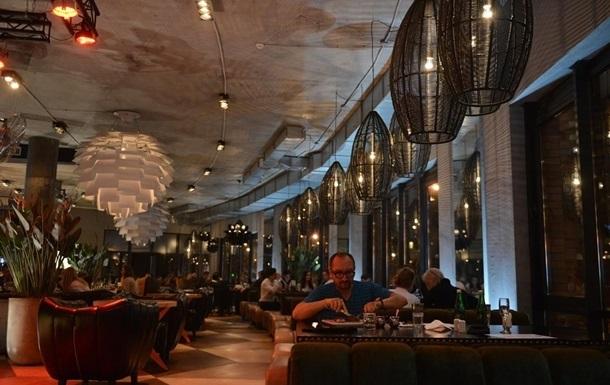 Отреагировал на пост: испанец оставил в ресторане €4000 чаевых