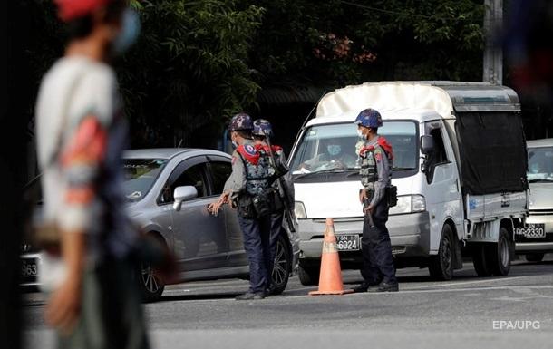 В Мьянме в пункте проверки на коронавирус взорвалась бомба